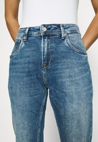Pepe Jeans - VIOLET - Jeansy Relaxed Fit - denim - 3