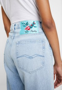 Replay - TYNA - Jeans relaxed fit - lightblue - 5