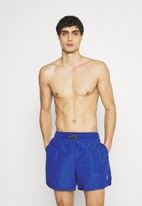 Jack & Jones - JJIBALI JJSWIM SOLID - Swimming shorts - surf the web - 1