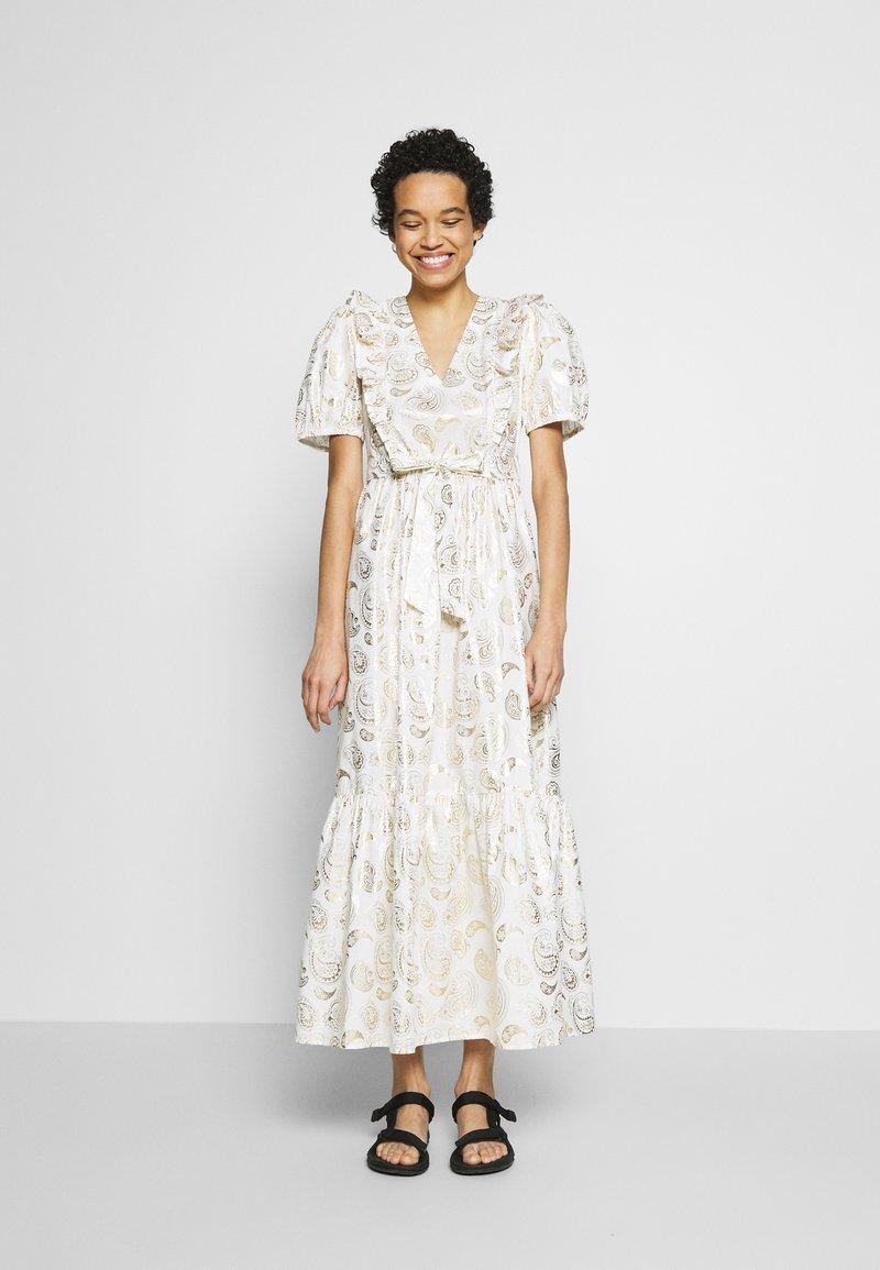 Résumé - TENDORA DRESS - Maxi dress - white