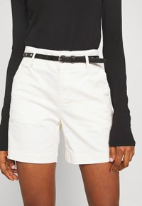 Scotch & Soda - WITH A BELT - Shorts - antique white - 3