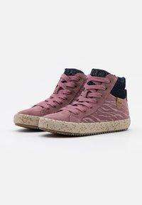 Geox - KALISPERA GIRL - Sneakersy wysokie - rose smoke - 1