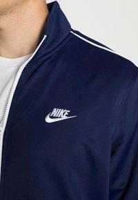 Nike Sportswear - SUIT BASIC - Træningssæt - midnight navy/white - 4
