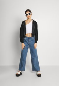 Even&Odd - Ribbed zip though hooded sweat jacket - Tröja med dragkedja - black - 1