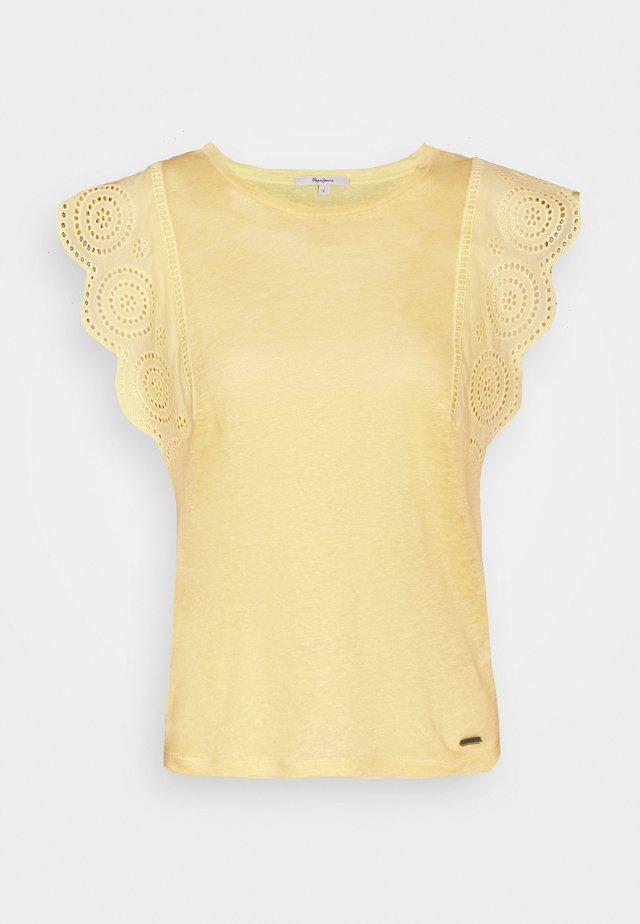 CLARA - T-shirt basic - twist