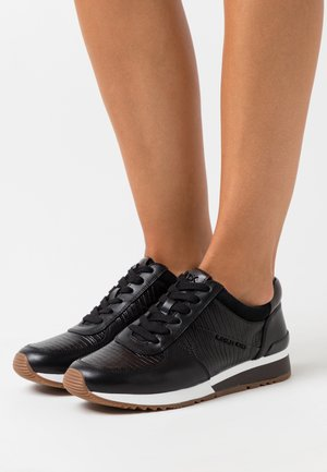 ALLIE WRAP TRAINER - Sneakersy niskie - black