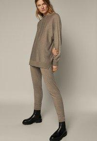 Massimo Dutti - Leggings - Trousers - beige - 1