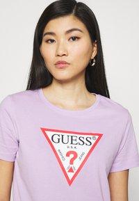 Guess - ORIGINAL - Print T-shirt - lilac forever - 4