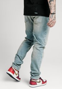 SIKSILK - Relaxed fit jeans - light blue wash - 4