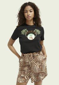 Scotch & Soda - Print T-shirt - black - 0
