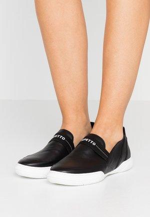 AUPHELIE - Nazouvací boty - noir