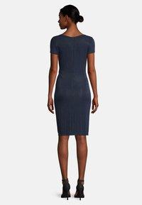Vera Mont - Shift dress - dark blue/dark blue - 1