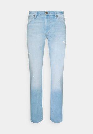 LARSTON - Slim fit jeans - hot shot