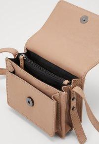DAY ET - MINI - Across body bag - brush beige - 4