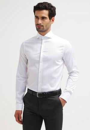 SUPER SLIM FIT - Kostymskjorta - white
