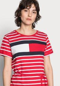 Tommy Hilfiger - ABO REGULAR T-SHIRT DRESS - Jersey dress - classic brenton/primary red - 3