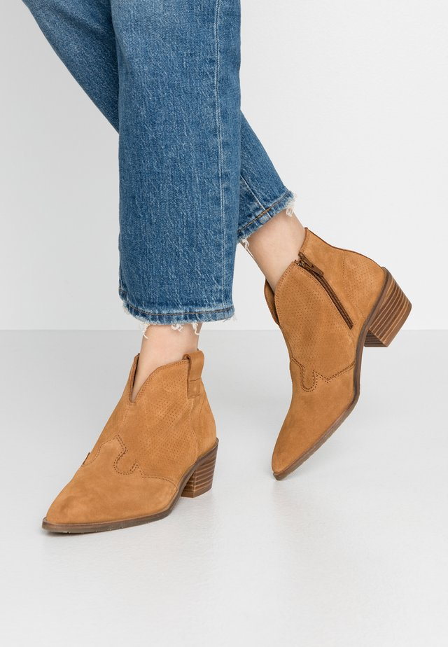 BILBAO - Ankle boots - cognac