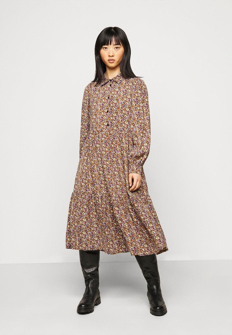 Pieces Petite - PCANJA MIDI DRESS - Shirt dress - black/brown/purple