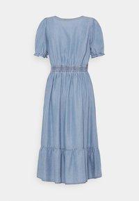 Cream - AMIRA FLOUNCE DRESS - Robe longue - blue - 1