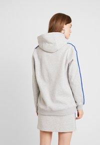 Calvin Klein Jeans - MONOGRAM TAPE HOODIE - Hoodie - light grey heather - 2