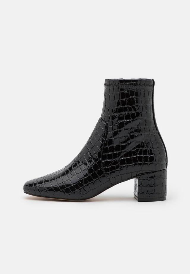 MYAII - Korte laarzen - black