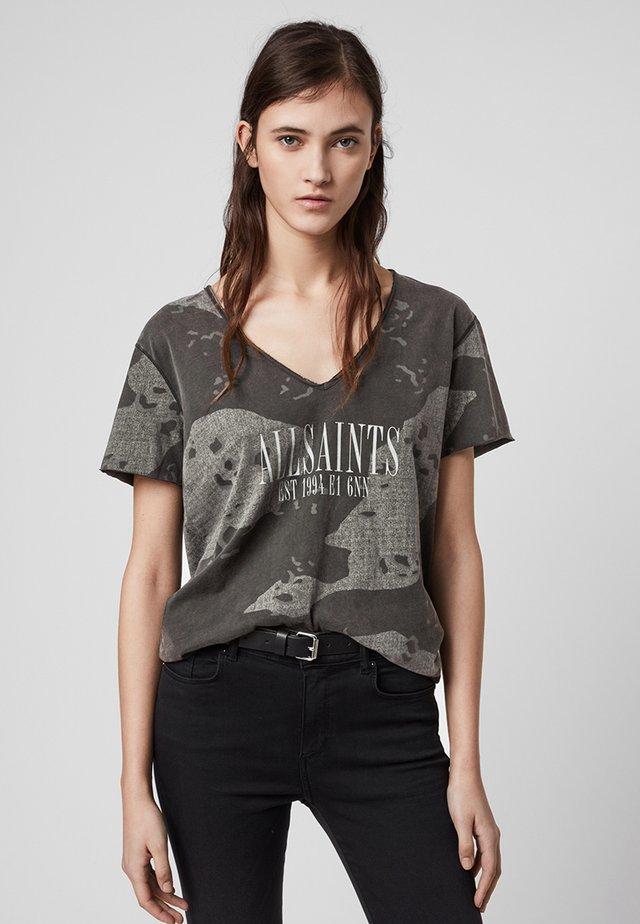 ACOUSTIC EMELYN  - T-shirt z nadrukiem - grey