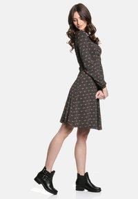 Vive Maria - SWEET ROSE SCHOOL  - Day dress - schwarz allover - 2