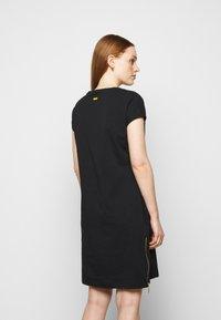 Barbour International - PACE DRESS - Sukienka z dżerseju - black - 2