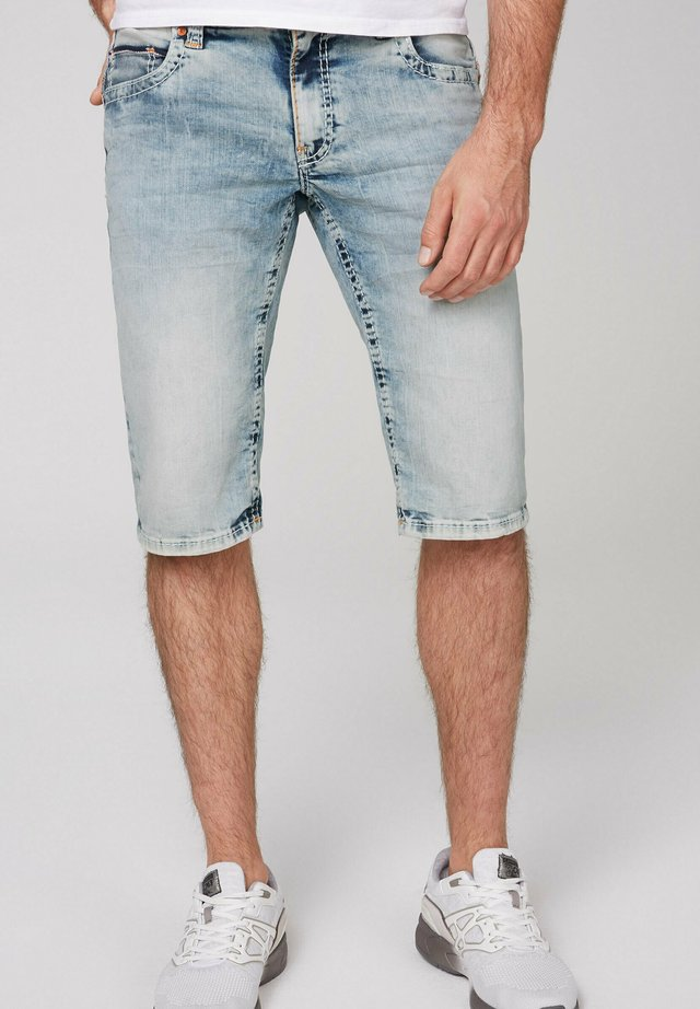CO:NO MIT BLEACHING-EFFEKTEN - Denim shorts - light vintage used