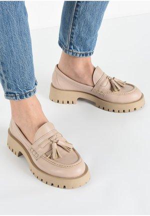 Slip-ons - crema