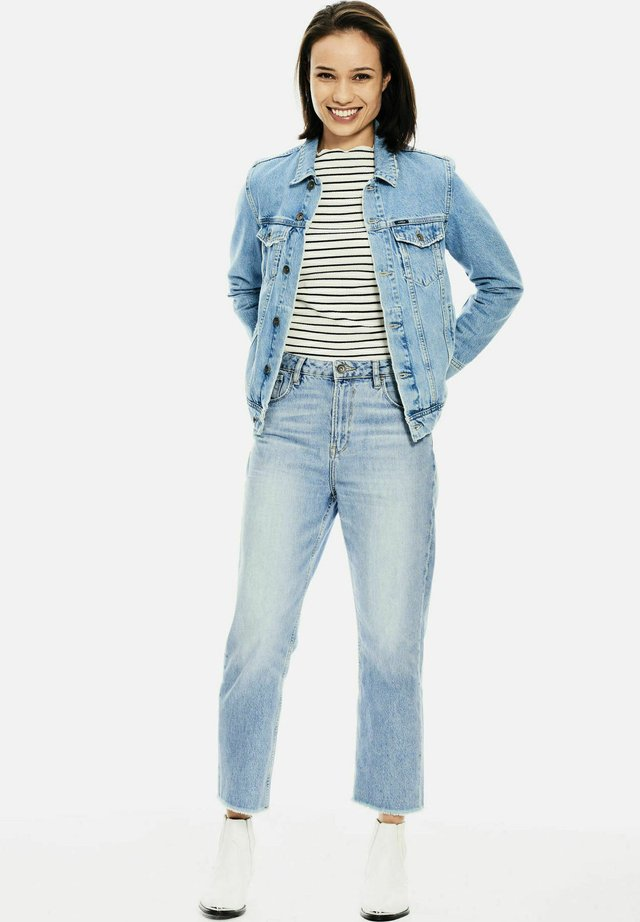 Relaxed fit jeans - light used