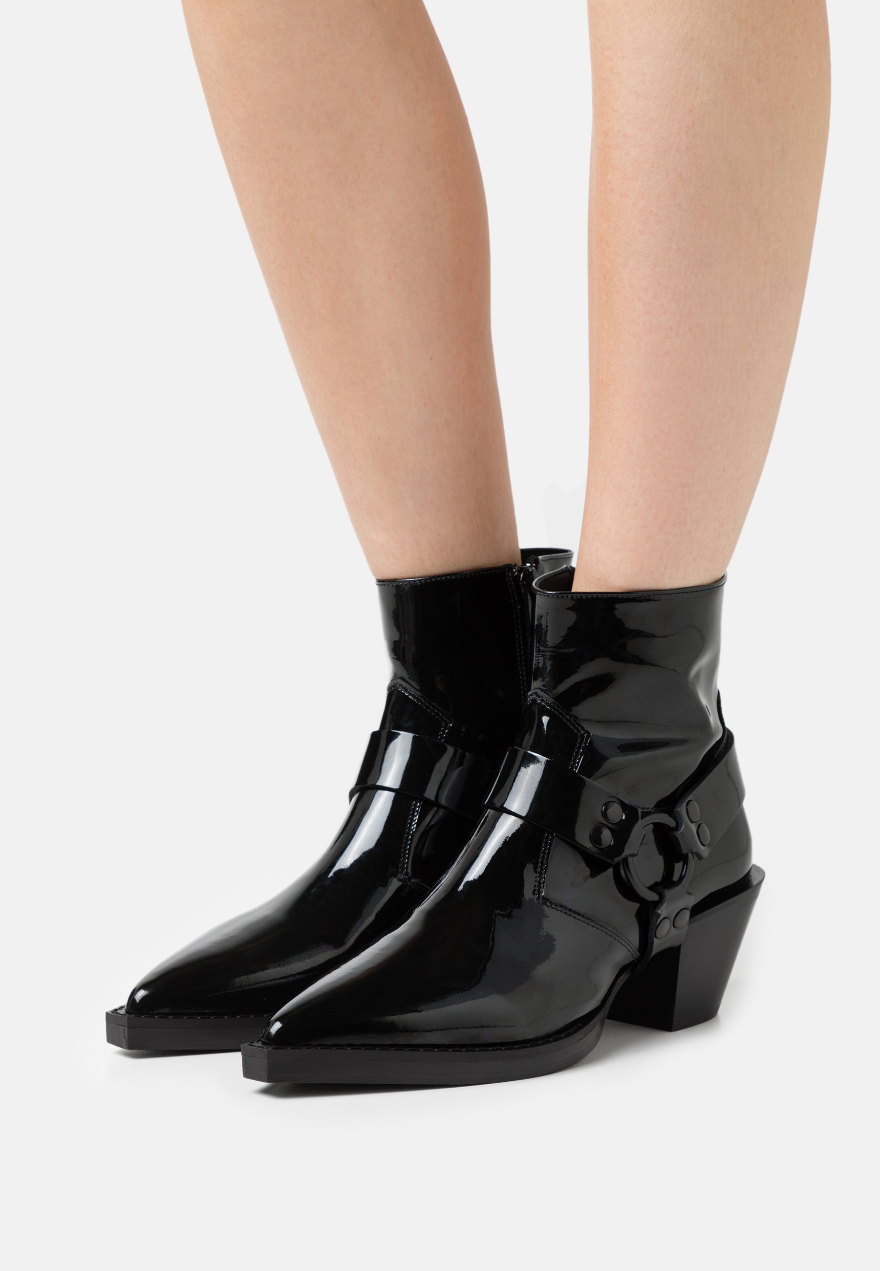 Women BOTTINES VERNIS - Classic ankle boots