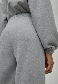 PULL&BEAR - Pantaloni sportivi - grey - 4