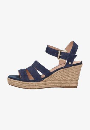Sandały na koturnie - blue