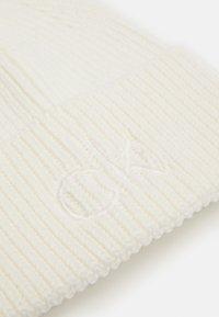 Calvin Klein - BEANIE - Beanie - white - 2