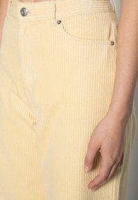 Monki - BEA TROUSERS - Pantalon classique - beige light - 4