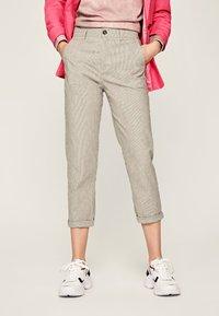 Pepe Jeans - MARIETA - Spodnie materiałowe - light brown - 0