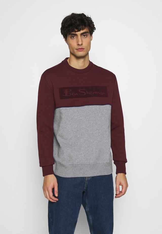 SPORTS LOGO - Sweatshirt - port