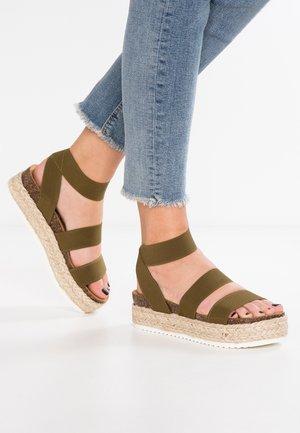 KIMMIE - Sandály na platformě - olive