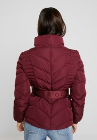 Guess - PETRA JACKET - Dunjakke - martina red - 4