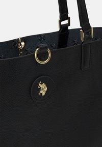 U.S. Polo Assn. - MALIBU POUCH PRINTED - Tote bag - black - 7