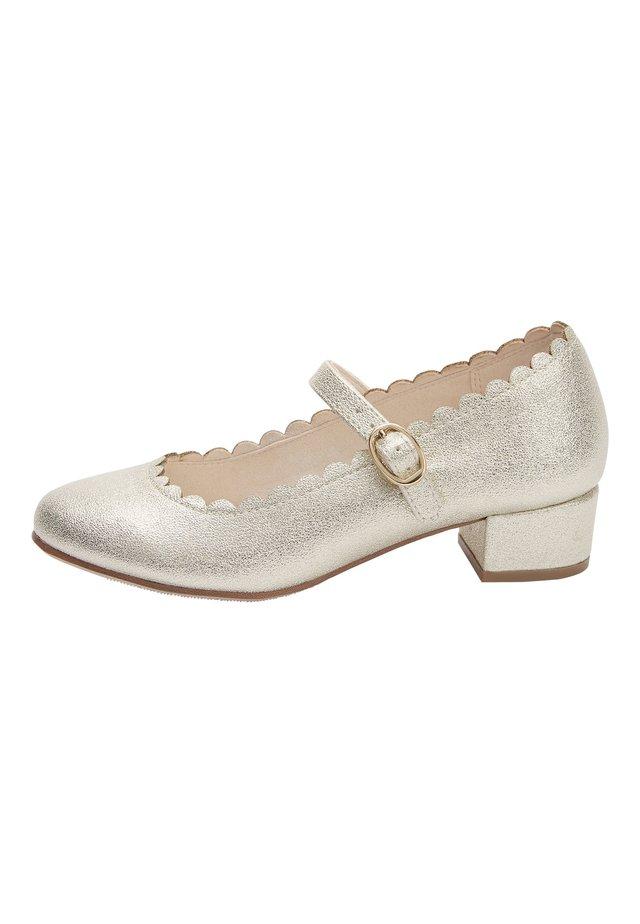 GOLD SCALLOPED MARY JANE HEELS (OLDER) - Ballerine con cinturino - gold