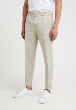 TERRY CROPPED SLACKS - Trousers - khaki