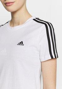 adidas Performance - T-shirt med print - white/black - 3