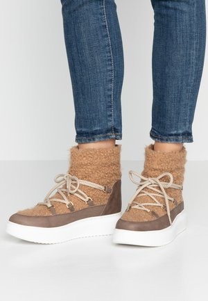 DULCE - Kotníkové boty na platformě - taupe