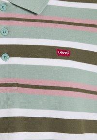 Levi's® Plus - BIG BATWING - Polo shirt - green - 2