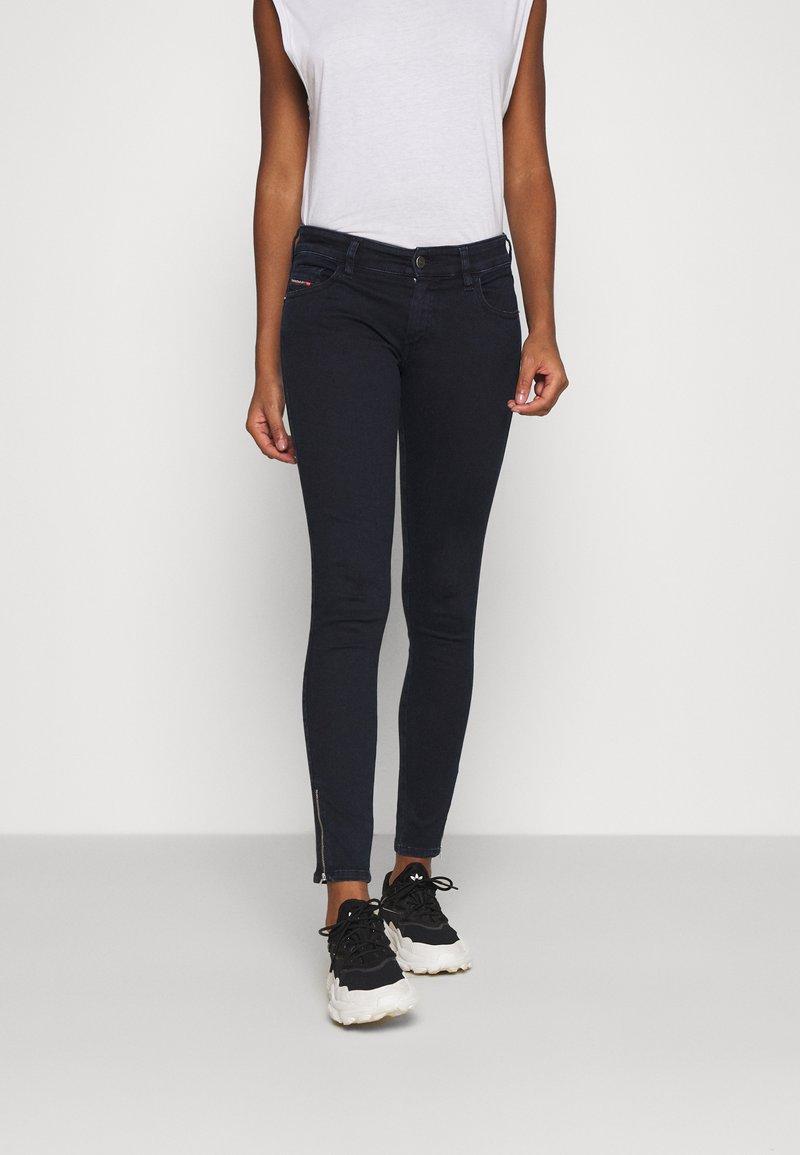 Diesel - SLANDY-LOW-ZIP - Jeans Skinny Fit - dark blue