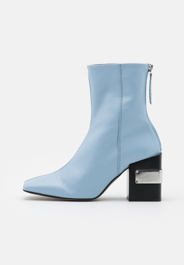 HARRIS BLOCK - High heeled ankle boots - light blue