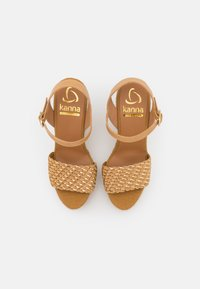Kanna - SOFIA - Sandales à plateforme - beige/gold - 5
