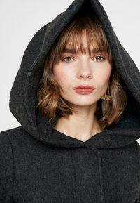 Vero Moda - VMBRUSHEDVERODONA - Krátký kabát - dark grey melange - 4
